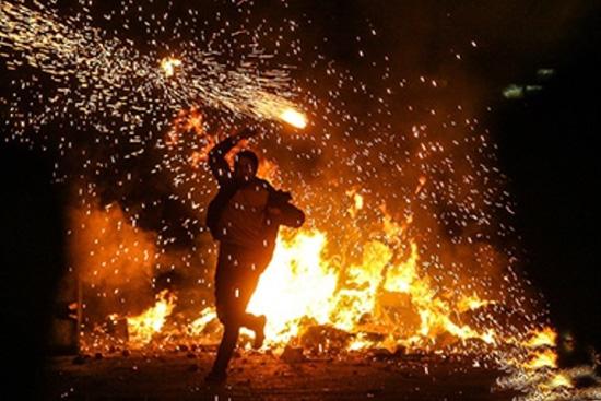 جشنی که به آتش میکشیم