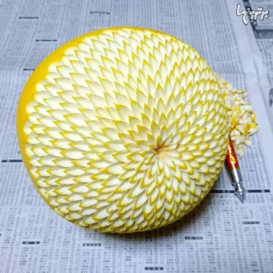 حکاکی طرح های ظریف و موزاییکی در میوه ها و سبزیجات